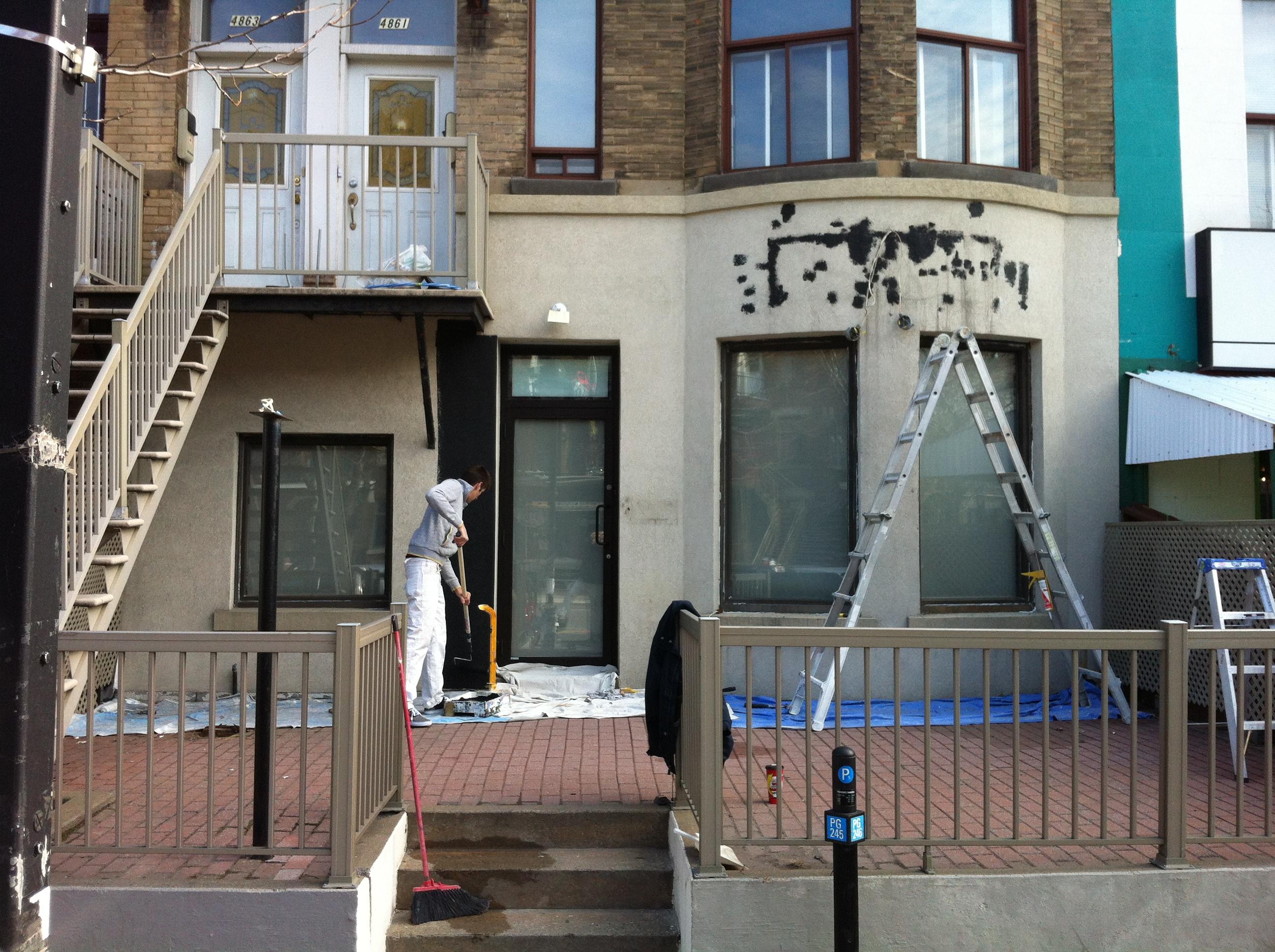 comment peindre du stuc sur un rev tement ext rieur peinture montreal. Black Bedroom Furniture Sets. Home Design Ideas
