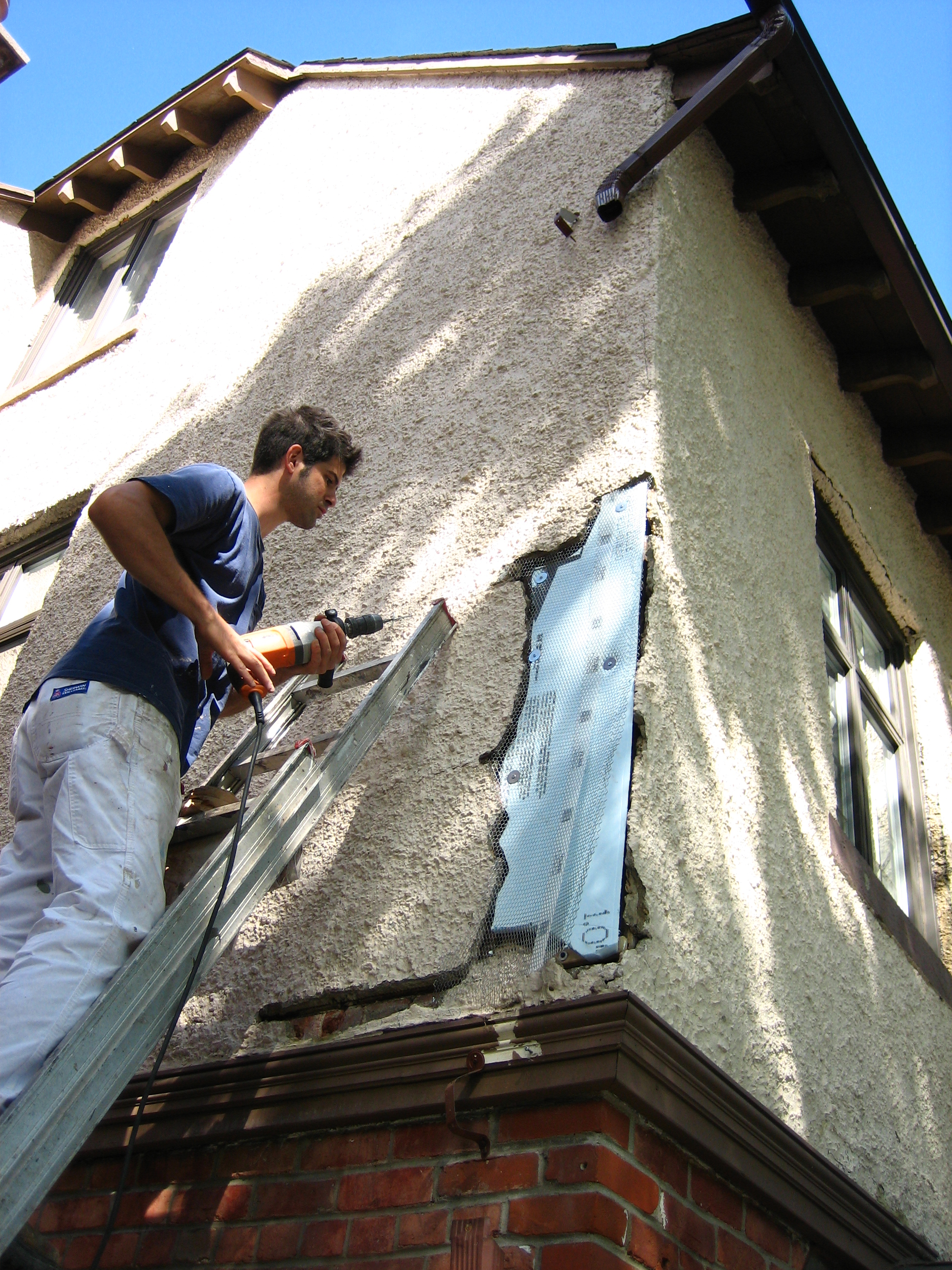 Comment r parer du stuc peinture montreal - Peinture stucco video ...